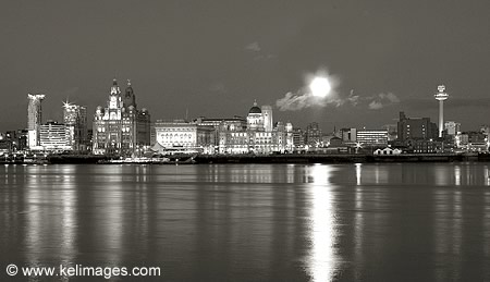 Liverpool Waterfront B & W Photograph : KELimages Photography by ...: www.kelimages.com/photographs/british/liverpool-waterfront-bw.htm