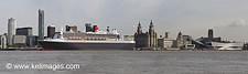 Queen Mary 2, Daylight - click to zoom
